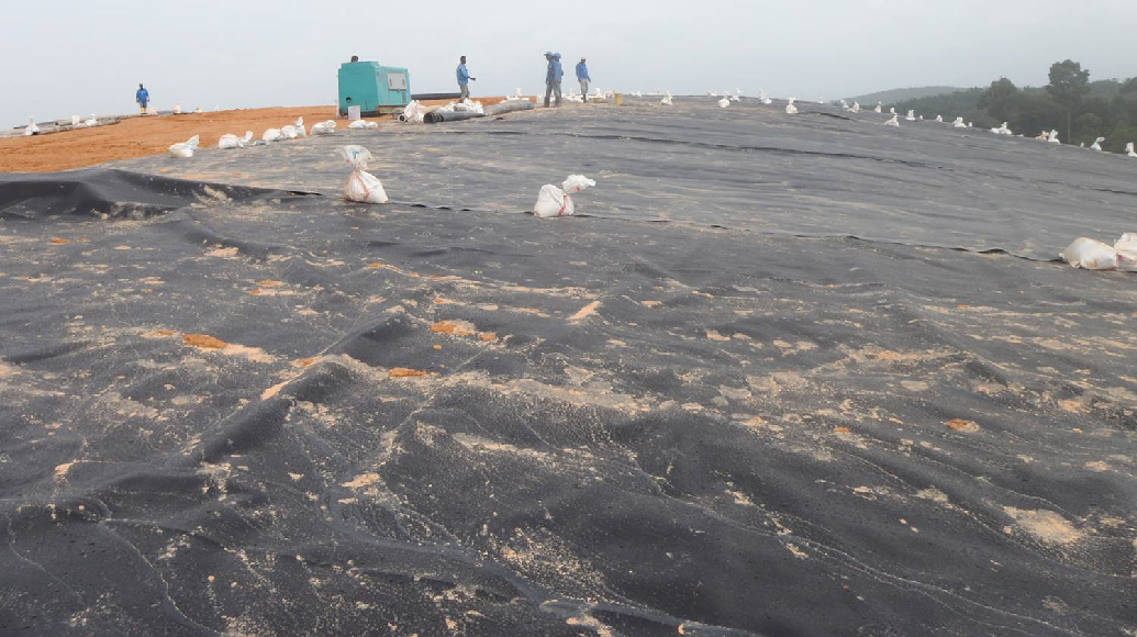 Landfill capping Non-woven geotextile HDPE Geomembrane Geosynthetic Clay Liner Drainage System